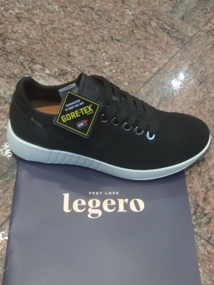 Sneaker in GORE-TEX