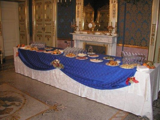 Organizzazione di brunch a Pavia. BARDELLI SERVICE SNC tel 0382 1867310 cell 347 0573352 - 338 8402948