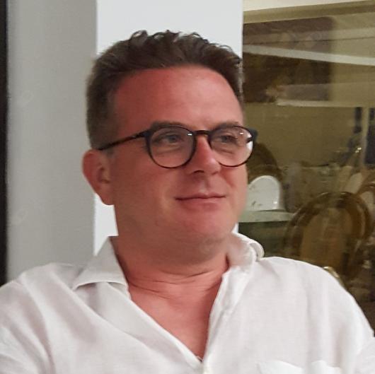 Dott. Vincenzo Piccinni - Ortopedico a Roma