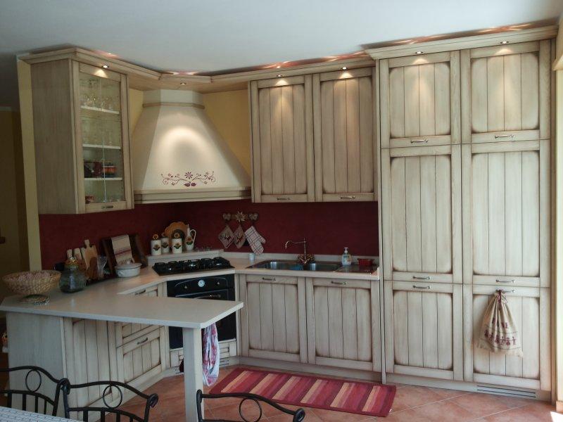Cucina classica in stile provenzale della bella franco falegnameria