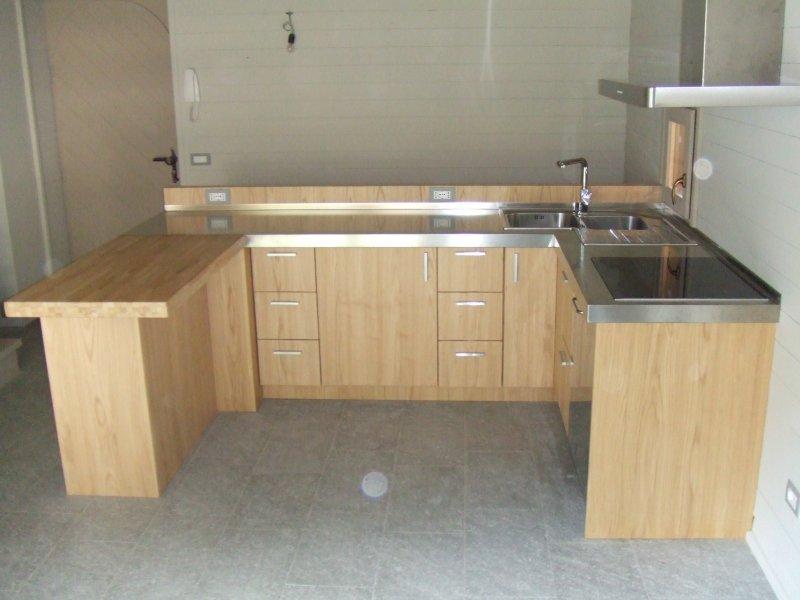 Cucine in legno massello | DELLA BELLA FRANCO FALEGNAMERIA