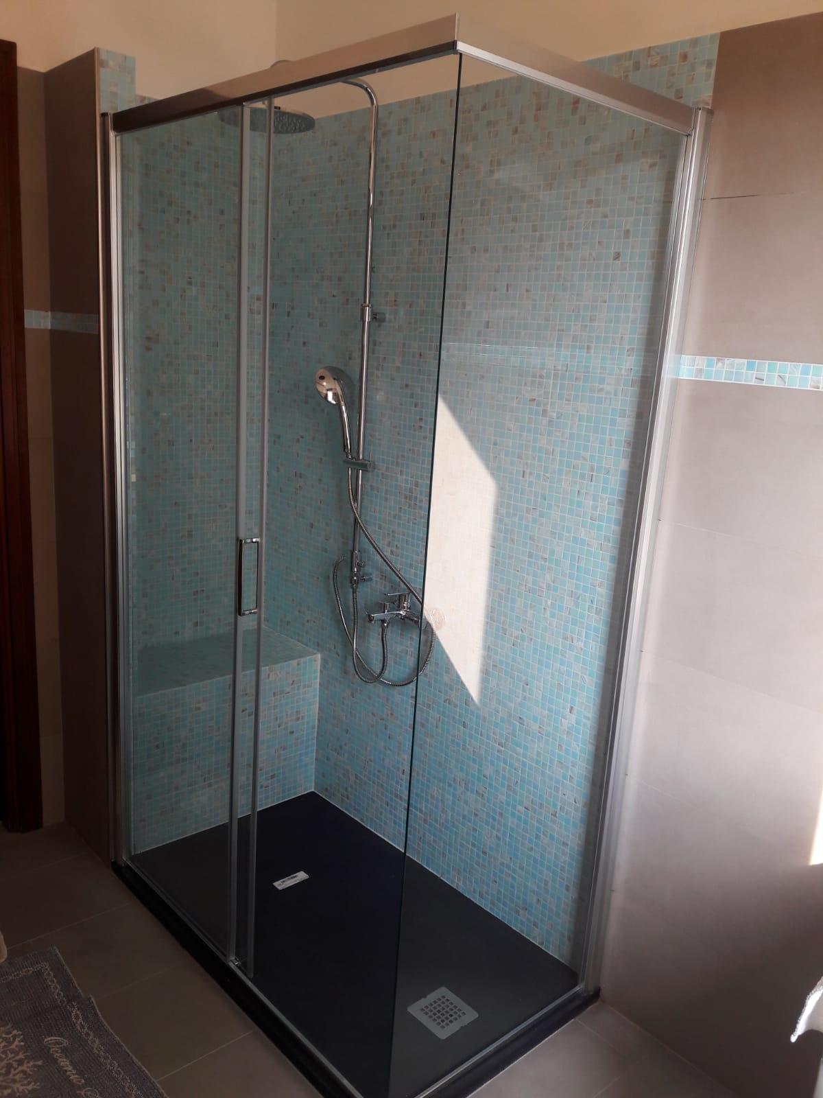 Doccia Con Sedile In Muratura.Rifacimento Bagno Con Eliminazione Vasca E Posa Di Doccia Con Sedile