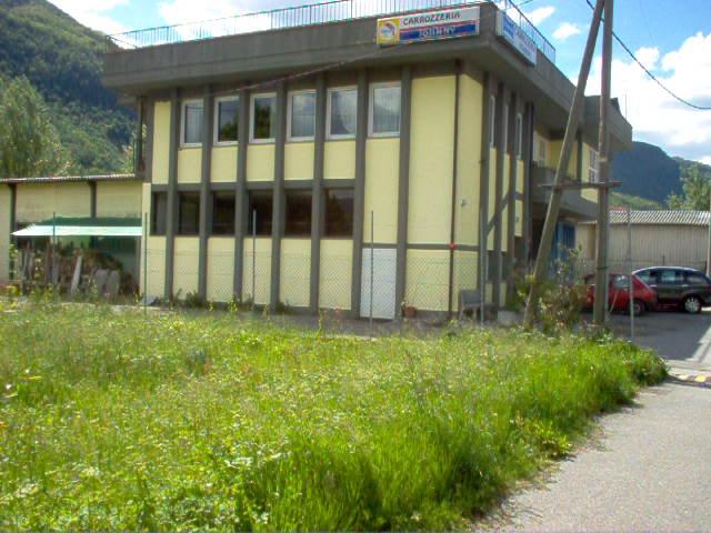 Servizio di soccorso stradale a Ghivizzano. AUTOCARROZZERIA JOHNNY SNC  tel 0583 77138promozione