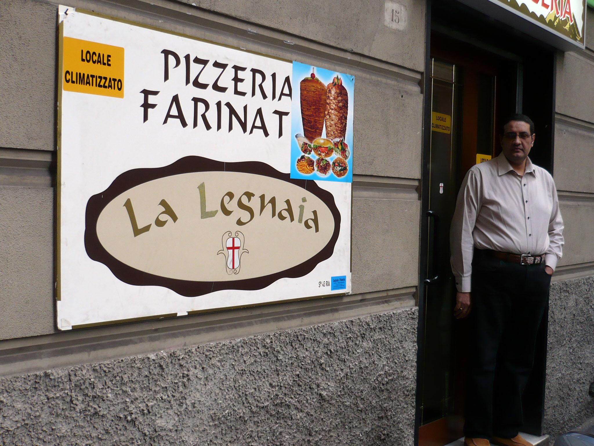Pizzeria da Asporto a Genova. PIZZERIA LA LEGNAIA Di Nashed Makrem tel 010 6457957 cell 338 2774357