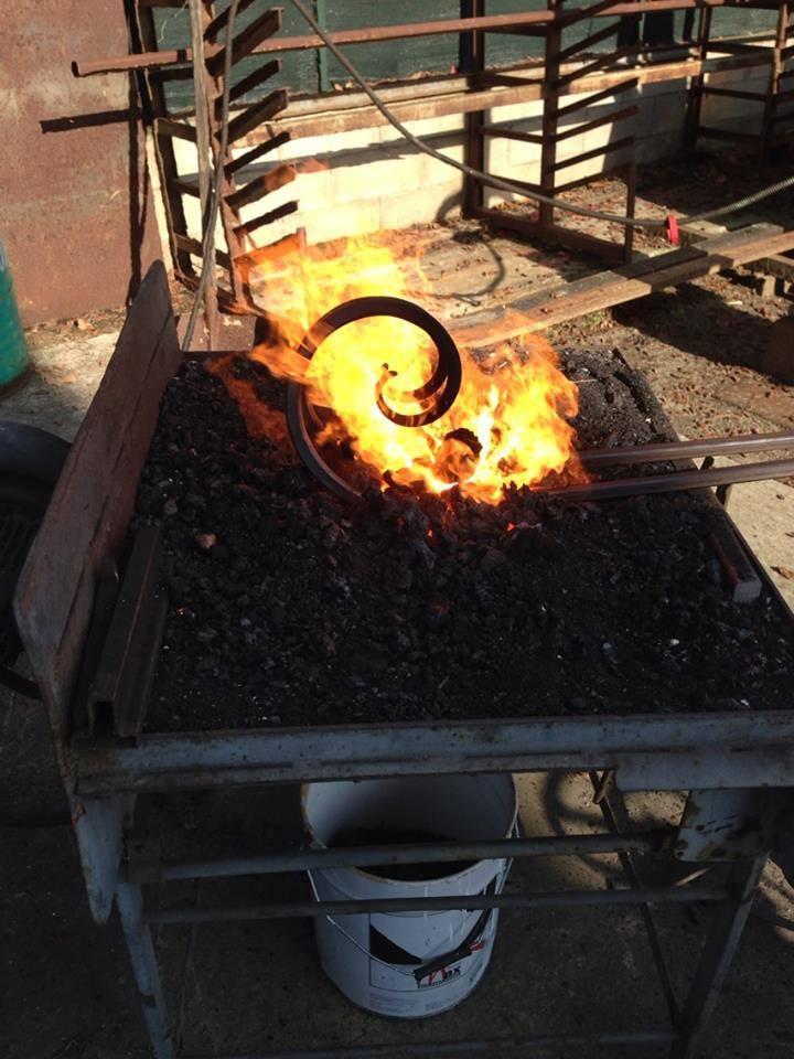 Lavori la bottega del fabbro di fabio destri for Del fabbro arredamenti