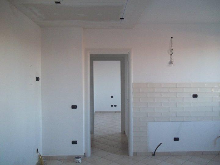 Verniciature di capannoni a Milano. MAGNIVER DI MAGNI STEFANO tel 039 2010760 cell 333 1716616