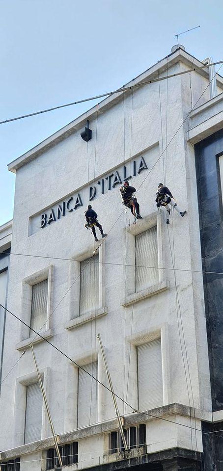 CONTROLLO DEI MARMI IN FACCIATA ALLA BANCA D'ITALIA DI LA SPEZIA