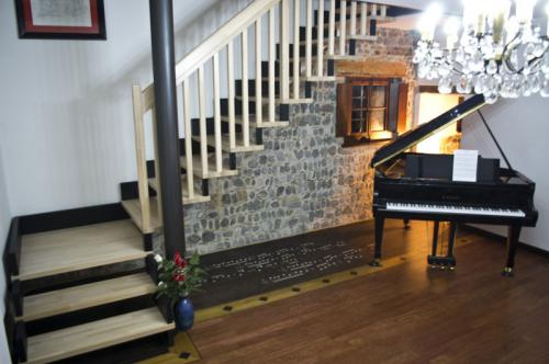 Pavimenti in legno a Udine. Contatta FABRIS CLAUDIO cell 335 5696048