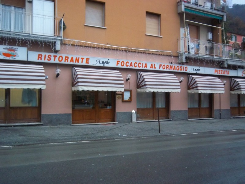 Comunioni a Genova. Rivolgiti a FRATELLI OLIVARI SRL tel 0185 76719