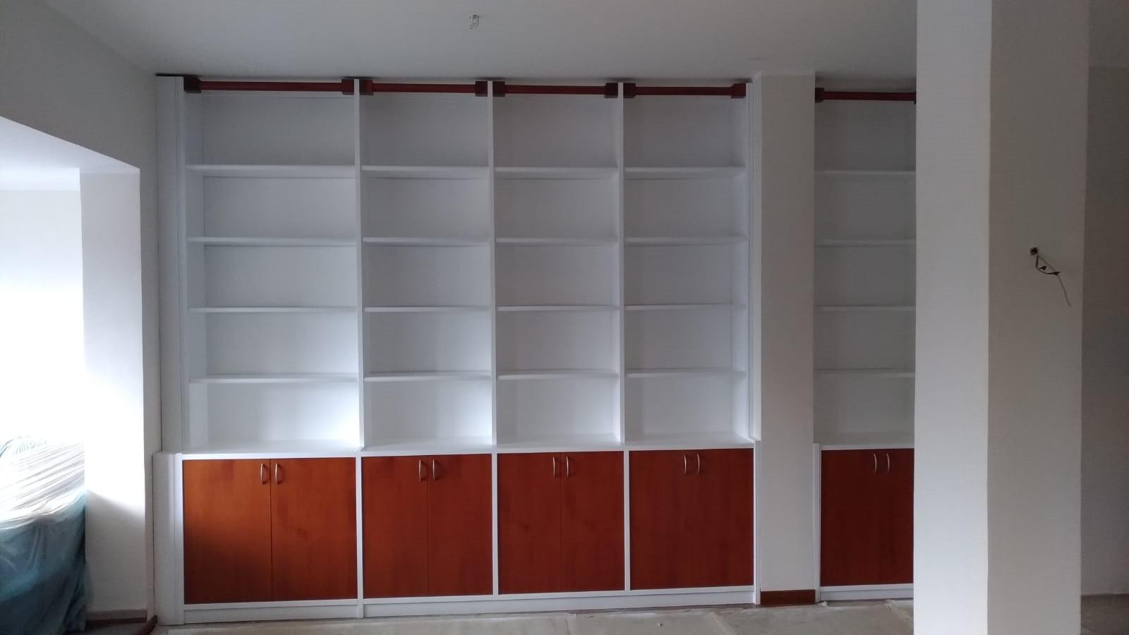 Libreria Laccata e Ultimata