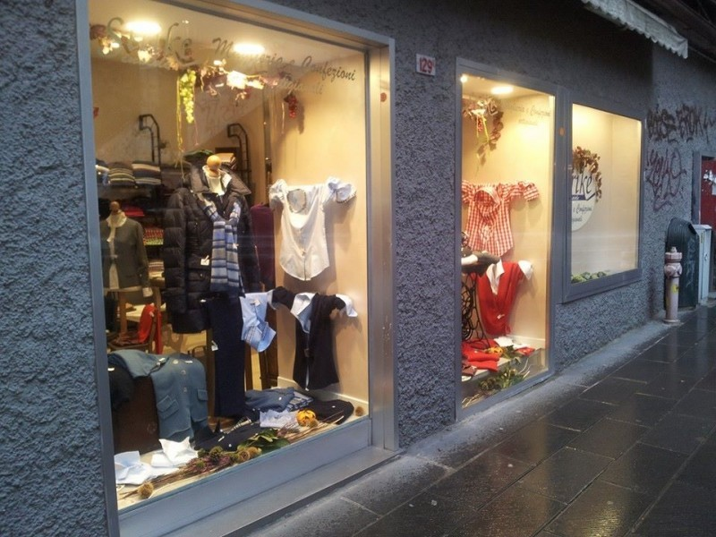 Vendita giacche e giacconi donna a Genova. STRIKE INSIDE tel 010 0984454